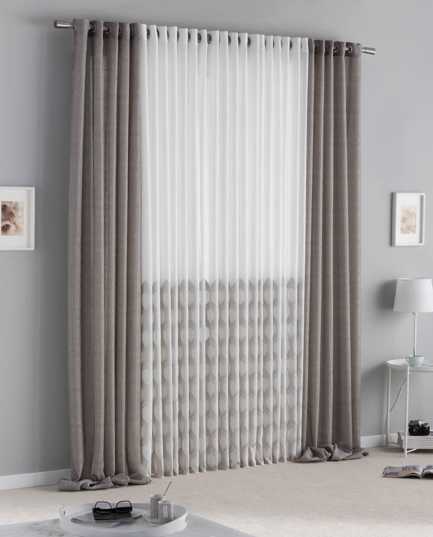 cortinas y fondo en la misma barra, decorado al tono